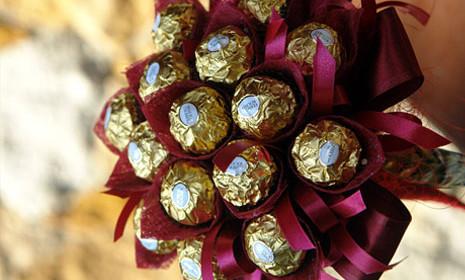 Букеты из конфет 3