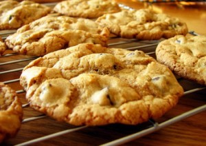 Печенье с орехами и белым шоколадом